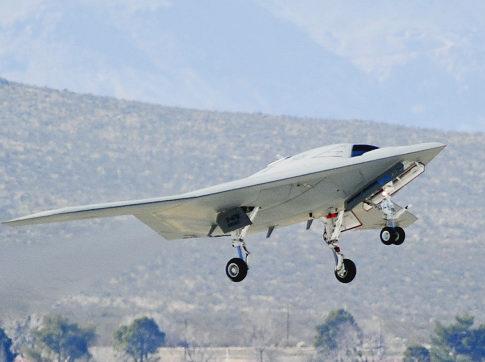 Yeni robot uçak ilk testte başarılı