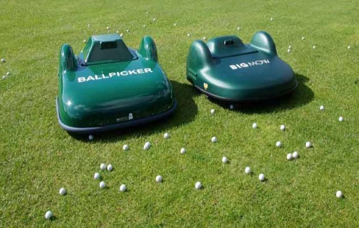 Golf topu toplayan robot